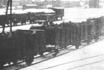Prisoners being transported in open freight cars, winter 1945'© Fritz Bauer Institute (APMO Collection / Auschwitz-Birkenau State Museum)