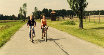 "Still from the film ""Am Ende kommen Touristen"" (2007)'© 23/5, ZDF"
